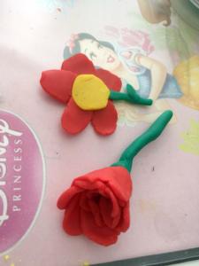 Leikkitaikina - kukat - Katriina